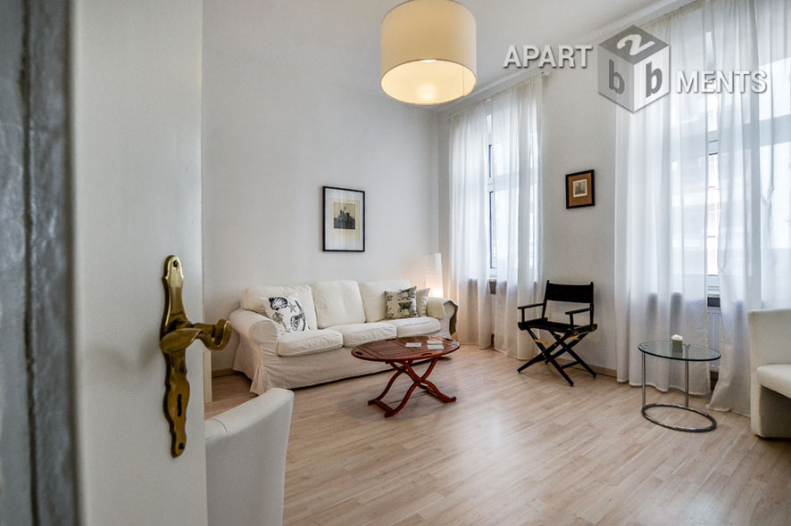 Modern furnished apartment with high ceilings in Köln-Neustadt-Nord
