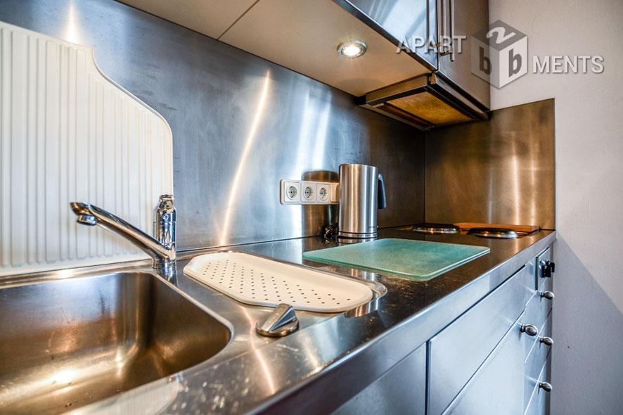 Stilvoll möblierte Altbauwohnung mit Dachterrasse in Köln-Klettenberg