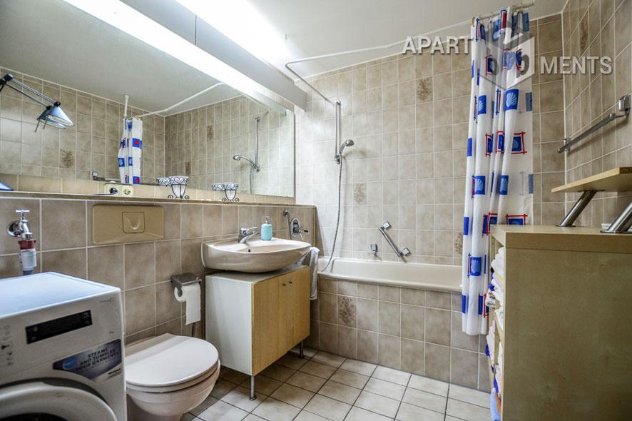 Möblierte Wohnung in einem Mehrfamilienhaus in Köln-Junkersdorf