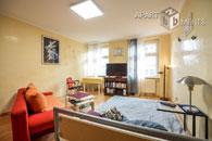 Modern möblierte Wohnung mit zwei Balkonen in Köln-Deutz