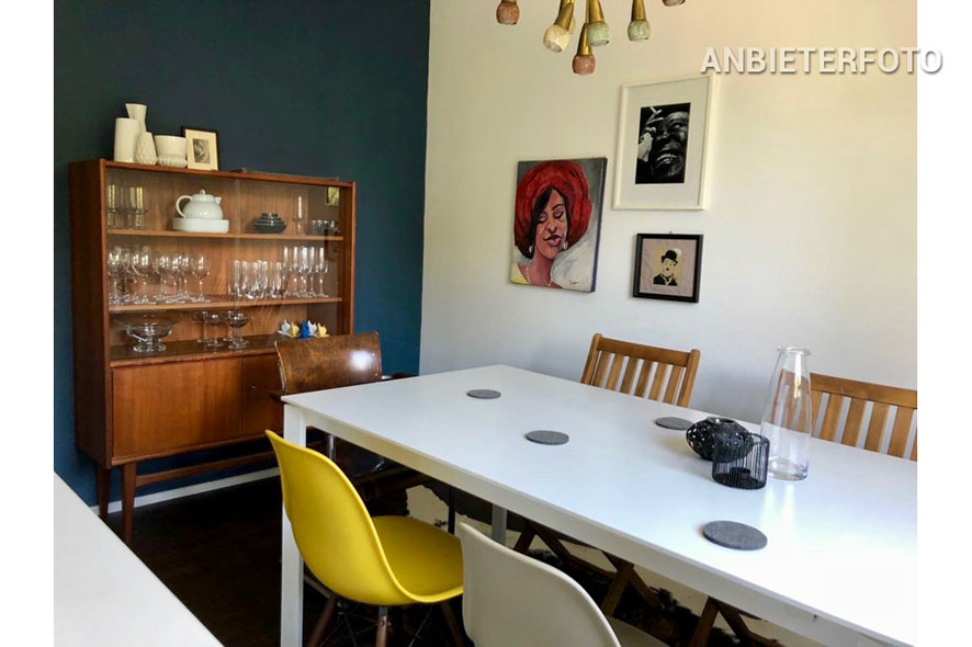 Modern furnished apartment with balcony in Köln-Riehl