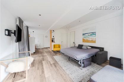 Möbliertes Apartment mit Balkon in separatem Gästehaus in Köln-Lindenthal