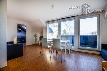 Möblierte 2-Zimmer-Maisonette-Wohnung mit Balkon in Köln-Riehl