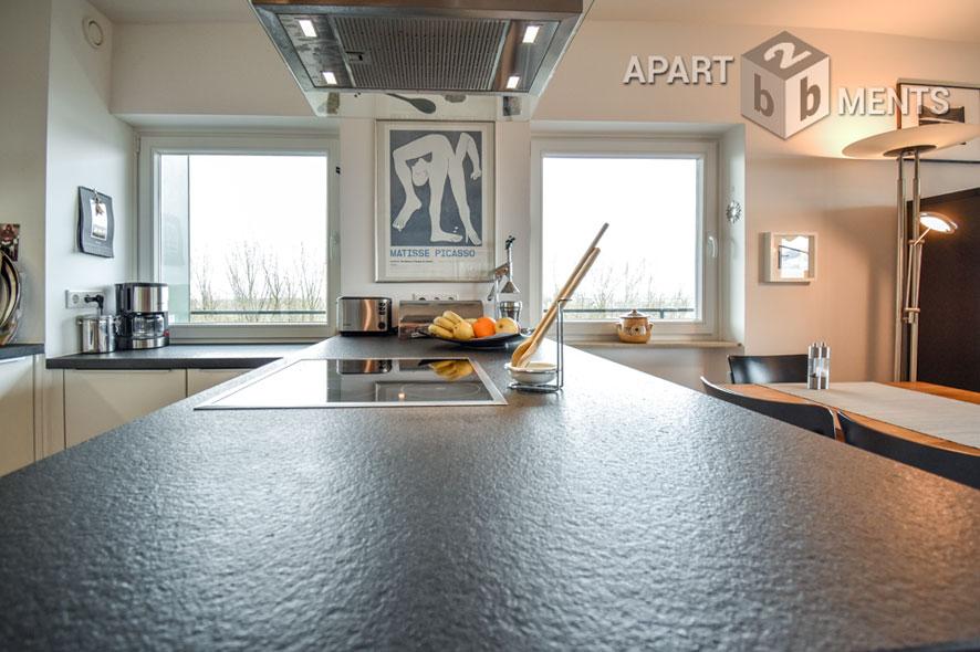 Stilvoll möblierte Wohnung mit großem Balkon und Rheinblick in Köln-Rodenkirchen