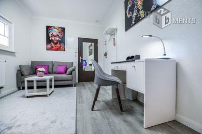 Hochwertig möblierte Wohnung mit Terrasse in Köln-Niehl