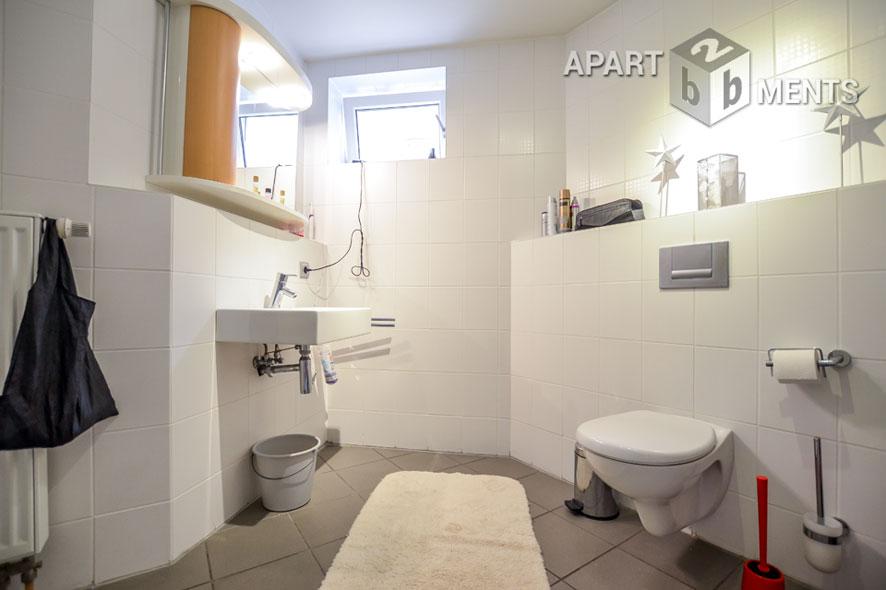 Modern möbliertes und geräumiges Apartment in Hürth-Efferen