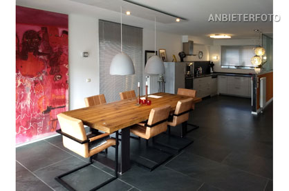 Modern und kunstaffin eingerichtetes Einfamilienhaus in Köln-Merheim