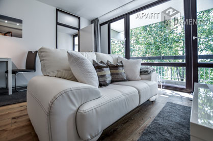 Top category furnished balcony apartment in Cologne-Weiden