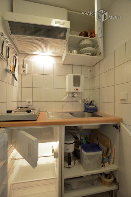 Modern möbliertes und helles Apartment in Düsseldorf-Heerdt