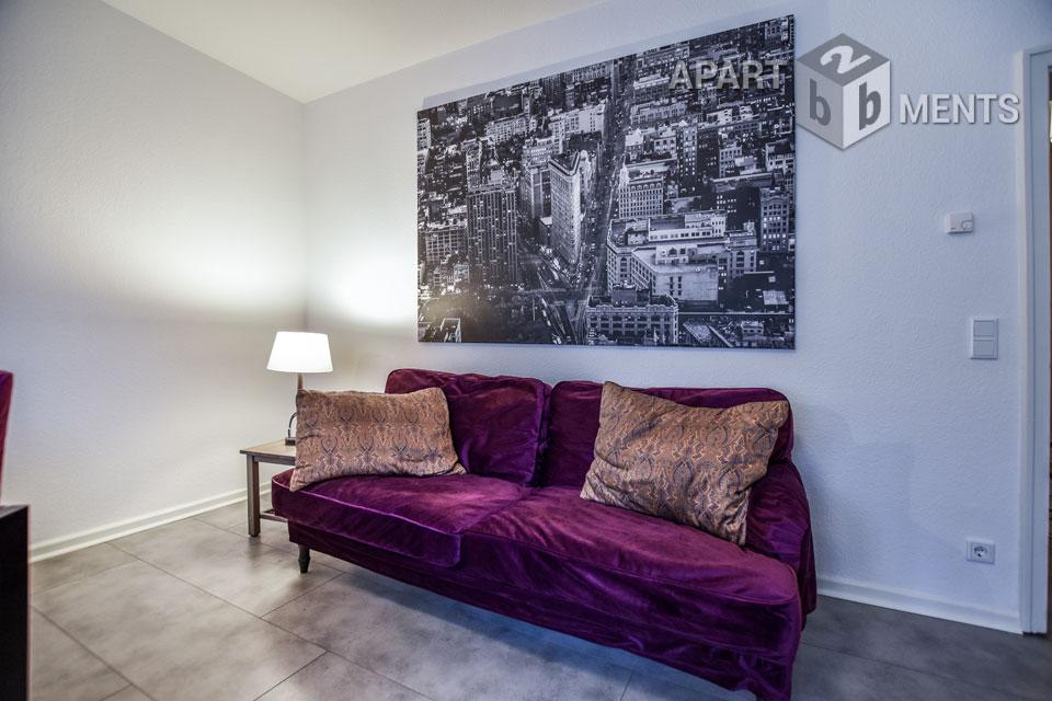 Modern furnished apartment with view to a park garden in Düsseldorf-Wersten