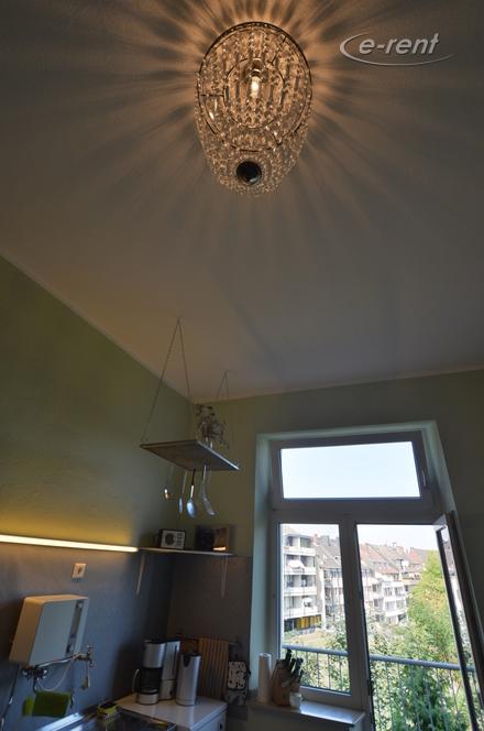 Modern möblierte und zentral gelegene Wohnung mit Balkon in Düsseldorf-Oberbilk