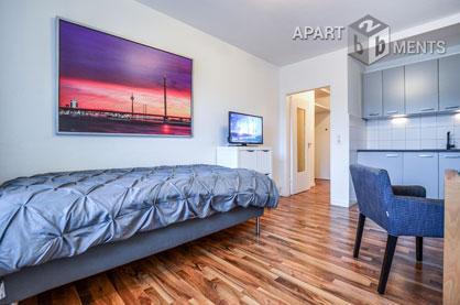 Möbliertes und ruhig gelegenes Apartment mit Balkon in Düsseldorf-Wersten
