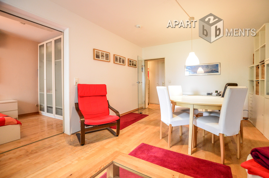 Modern möblierte und zentral gelegene Wohnung mit kleinem Garten in Düsseldorf-Düsseltal