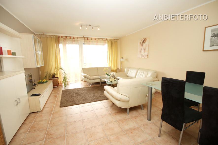 Möblierte und zentral gelegene Wohnung mit Terrasse in Düsseldorf-Stadtmitte
