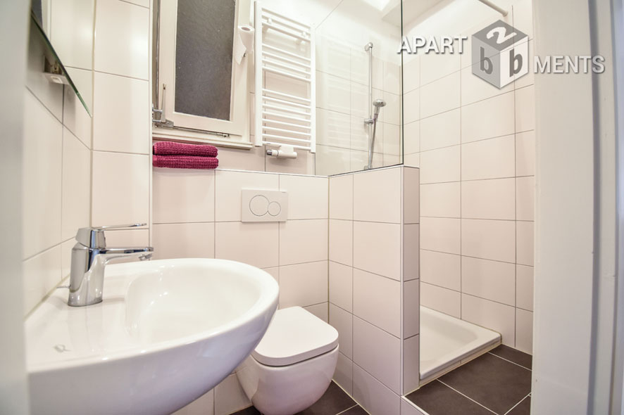 Modern möblierte und ruhig gelegene Wohnung in Düsseldorf-Wersten