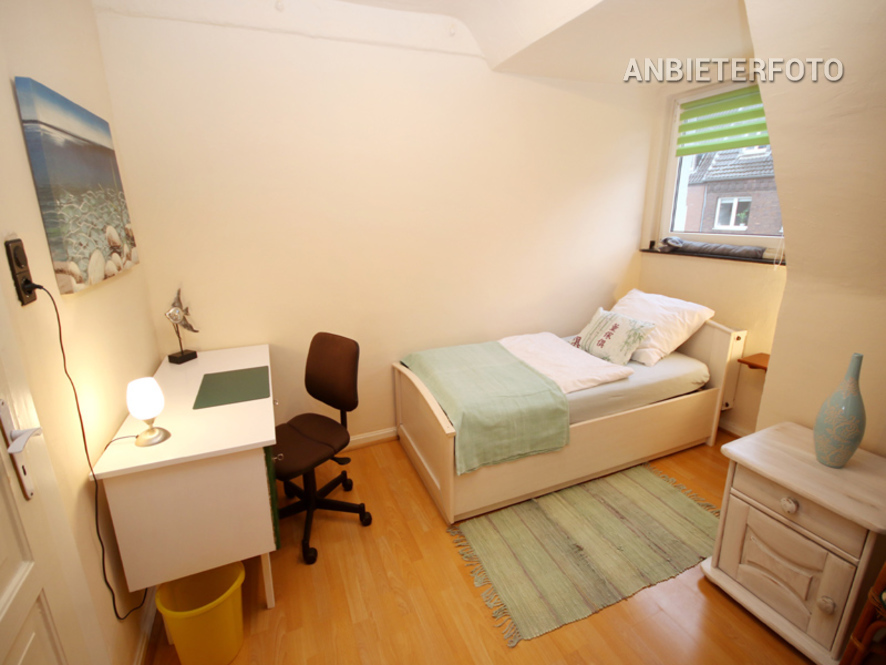 Modern und funktionell möblierte Altbauwohnung in Düsseldorf-Golzheim