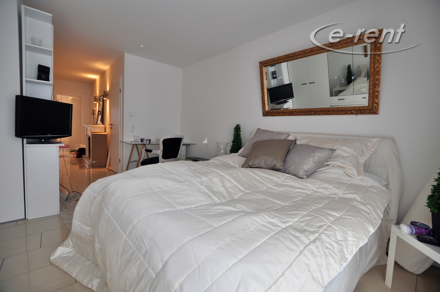 Hochwertig und modern möbliertes und geräumiges Apartment in Düsseldorf-Oberkassel
