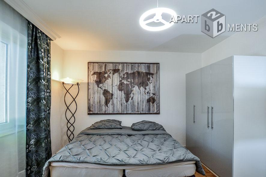 Modern möblierte Wohnung mit Blick auf parkähnlichen Garten in Düsseldorf-Wersten