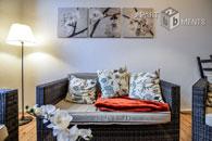 Modern möblierte Wohnung mit hohen Decken in Düsseldorf-Unterbilk