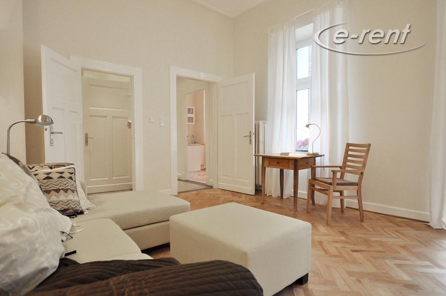 Modern möblierte und ruhig gelegene Wohnung in Düsseldorf-Unterbilk