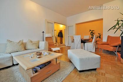 Modern möblierte 2 Zimmer Wohnung in zentraler Lage mit Balkon und PKW Stellplatz in Düsseldorf-Flingern-Nord