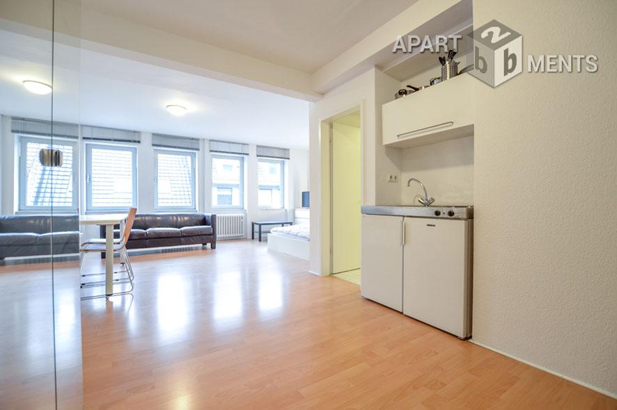 Modern möbliertes Apartment in sehr attraktiver und zentraler Wohnlage in Düsseldorf-Carlstadt