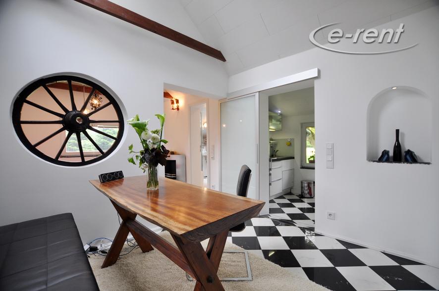 Modern möbliertes und ruhig gelegenes Häuschen in Neuss-Holzheim