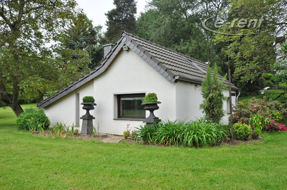 Modernly furnished and quietly situated cottage in Neuss-Holzheim