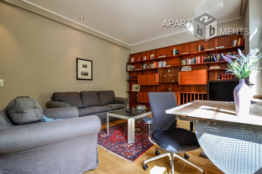 Modern möblierte Wohnung der gehobenen Kategorie in Düsseldorf-Altstadt