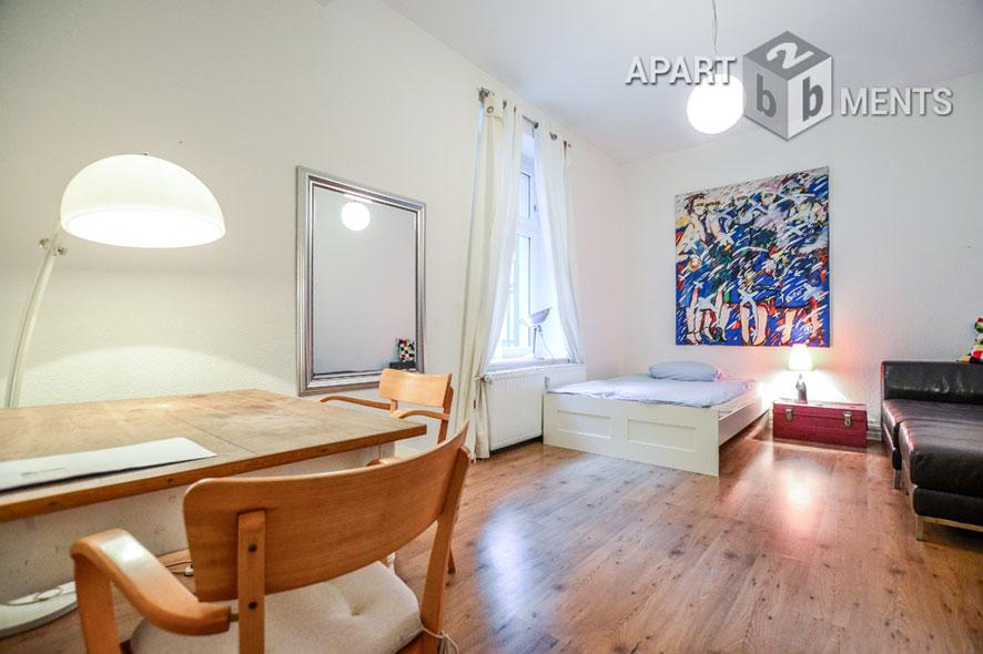 Möbliertes Apartment in zentraler aber ruhiger Lage in Düsseldorf-Pempelfort