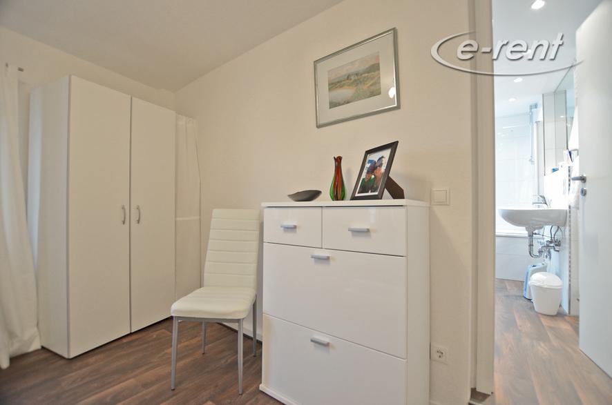 Modern möblierte Wohnung in Düsseldorf-Wittlaer