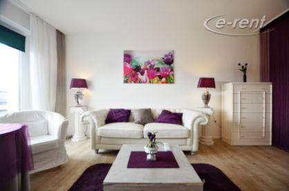 Modern möbliertes und helles Apartment mit Balkon in Düsseldorf-Bilk