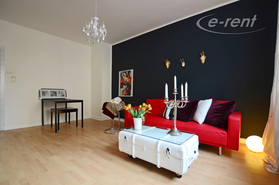 Möblierte Moderne helle 2 Zimmer-Wohnung in guter Wohnlage in Düsseldorf-Pempelfort
