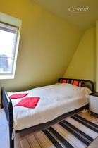Möbliertes und großzügig dimensioniertes Altbau-Apartment in Düsseldorf-Golzheim