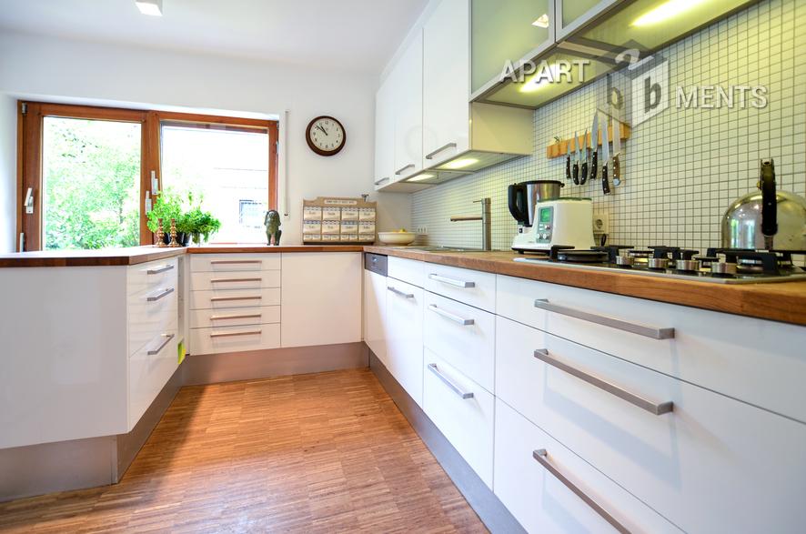 Modern möbliertes und freistehendes Haus in Meerbusch-Lank-Latum