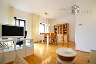 Modern möblierte Wohnung mit Balkon in zentraler Lage von Düsseldorf-Golzheim