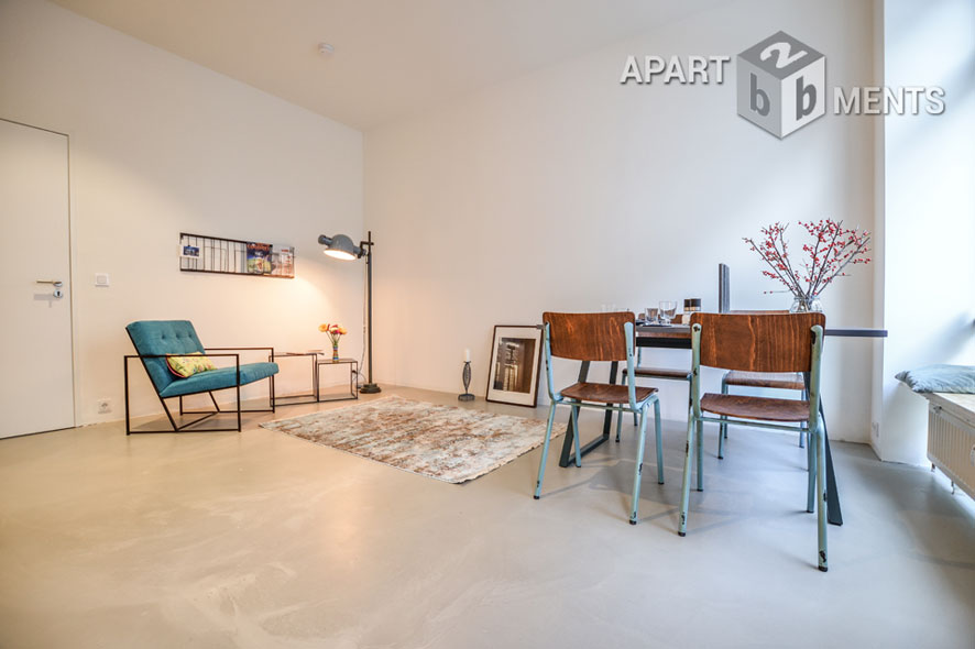 Möbliertes und  hochwertig und liebevoll saniertes Apartment in Düsseldorf-Eller