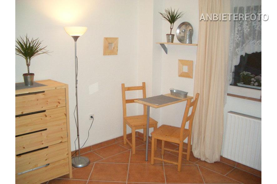 Möbliertes Einzelzimmer mit eigenem Bad in Düsseldorf-Unterrath