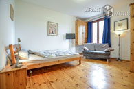 Neat furnished single apartment in Bonns old town location near the city centre