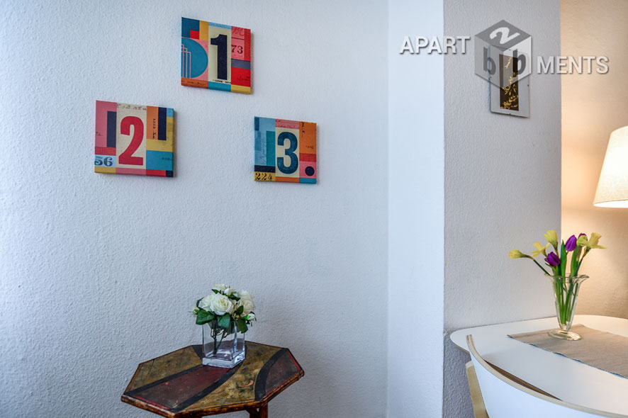 Klassisch-modern möblierte Altbauwohnung  in Top-Lage der Bonner Südstadt