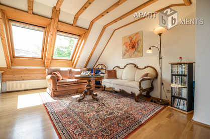 Cosy furnished attic studio with view into green in Bonn-Kessenich