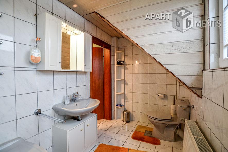 Möbliertes freistehendes Einfamilienhaus in ruhiger Lage in Lohmar-Weegen