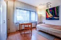 Möblierte geräumige Wohnung mit kleiner Terrasse in Bonn-Dottendorf