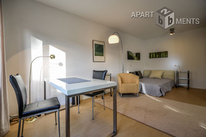 Modern furnished balcony apartment in Bonn-Kessenich/ Südstadt border