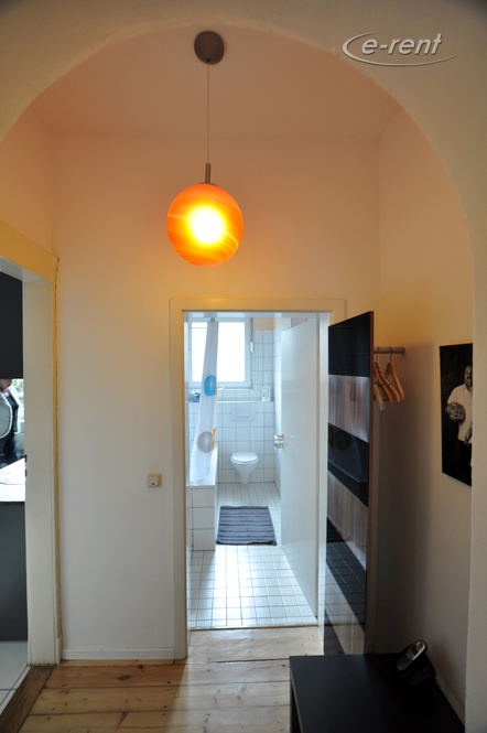 gepflegt möblierte geräumige Altbauwohnung in Bonn-Kessenich
