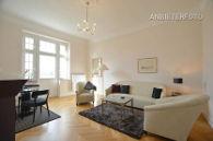 Exklusive Altbauwohnung der Top-Kategorie in denkmalgeschützter Villa mit direktem Panorama-Rheinblick - hoher Servicestandard mit wöchentlichem Reinigungsservice inklusive