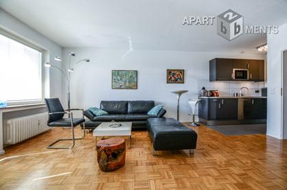 Möbliertes Apartment mit großer Fensterfront und Balkon in Bonn-Plittersdorf