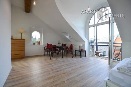 Modern möbliertes Dachapartment in Brühl